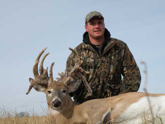 Hunter bags a 27 point doe in Kansas